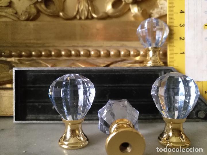Antigüedades: 4 TIRADORES O POMOS 3,5 CM Y METAL . CAJONES MUEBLES COMODAS ETC LEER - Foto 2 - 159046962