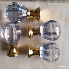 Antigüedades: 4 TIRADORES O POMOS 3,5 CM Y METAL . CAJONES MUEBLES COMODAS ETC LEER. Lote 159047094