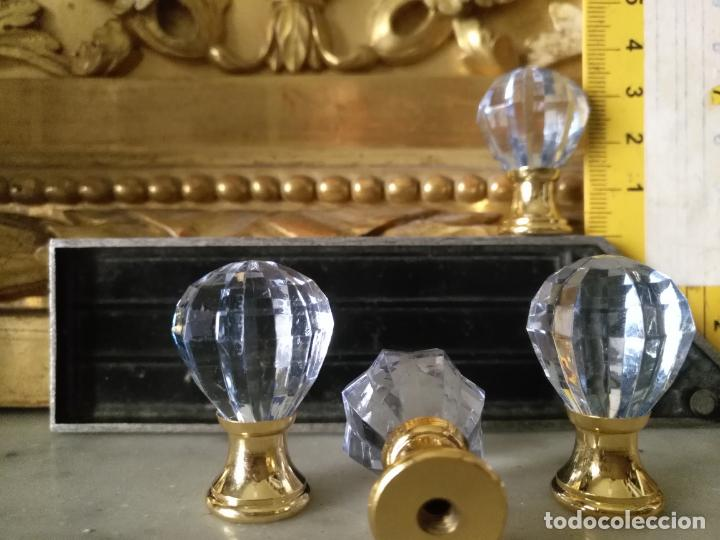Antigüedades: 4 TIRADORES O POMOS 3,5 CM Y METAL . CAJONES MUEBLES COMODAS ETC LEER - Foto 2 - 159047206