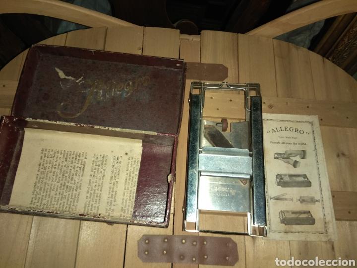 Antigüedades: Pareja de Máquinas Allegro para Afilar Cuchillas - Hojas de Afeitar - - Foto 8 - 159093332