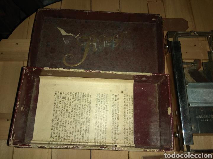 Antigüedades: Pareja de Máquinas Allegro para Afilar Cuchillas - Hojas de Afeitar - - Foto 9 - 159093332