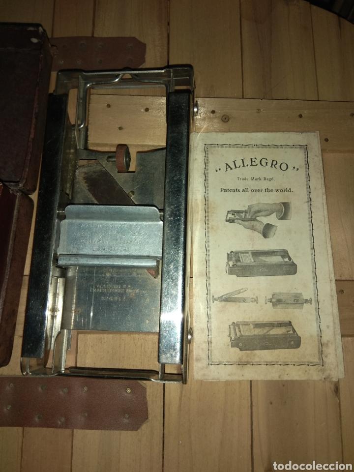 Antigüedades: Pareja de Máquinas Allegro para Afilar Cuchillas - Hojas de Afeitar - - Foto 10 - 159093332