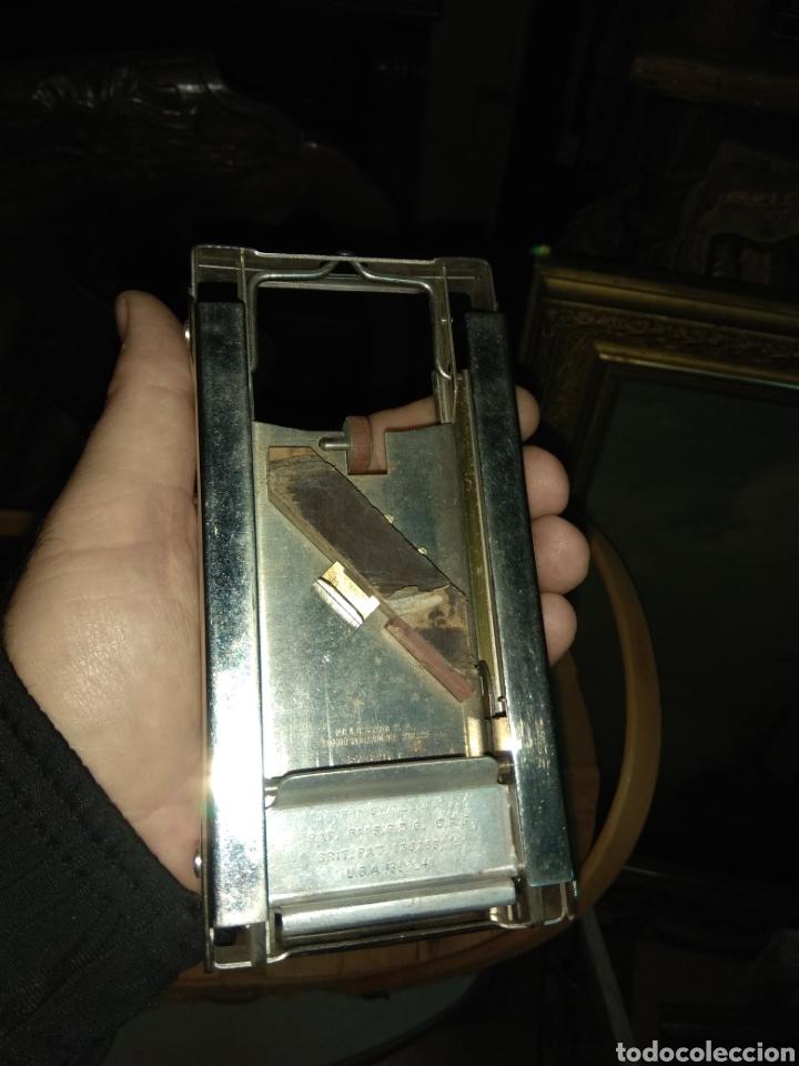 Antigüedades: Pareja de Máquinas Allegro para Afilar Cuchillas - Hojas de Afeitar - - Foto 12 - 159093332