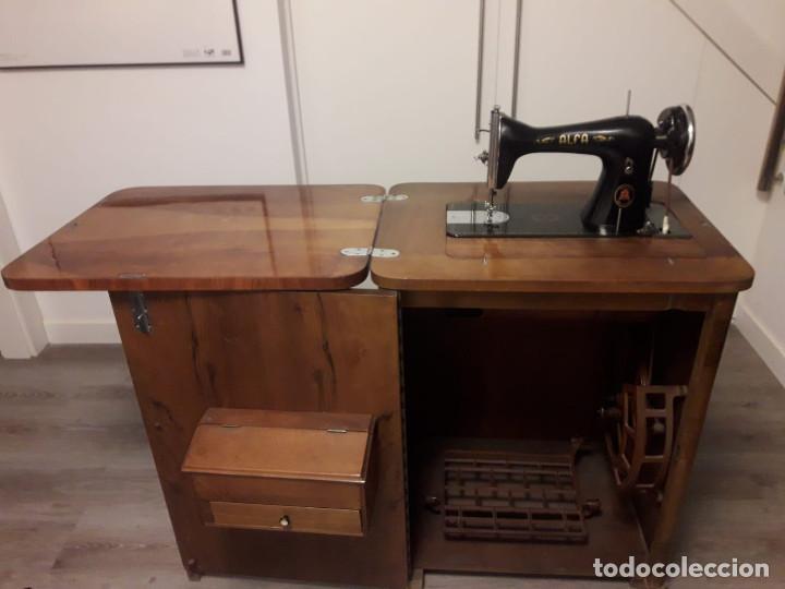 Antigüedades: Maquina de coser Alfa - Foto 3 - 159151290
