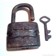 Antigüedades: ANTIGUO CANDADO CON LLAVE - FUNCIONANDO. Lote 159463090