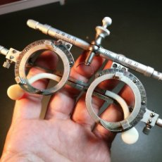 Antigüedades: GAFAS DE OFTALMÓLOGO TOTALMENTE REGULABLES -OPTICO--MARCA TOC.-REF-CV- . Lote 159570838