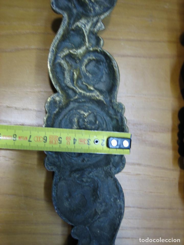 Antigüedades: Lote de Antiguos tiradores en bronce para armario o cómoda de madera antigua - Foto 5 - 159761290