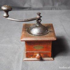 Antigüedades: MOLINILLO DE CAFÉ PEUGEOT FRERES. PRINCIPIOS DE SIGLO XX. NECESIRA RESTAURACIÓN. Lote 159782474