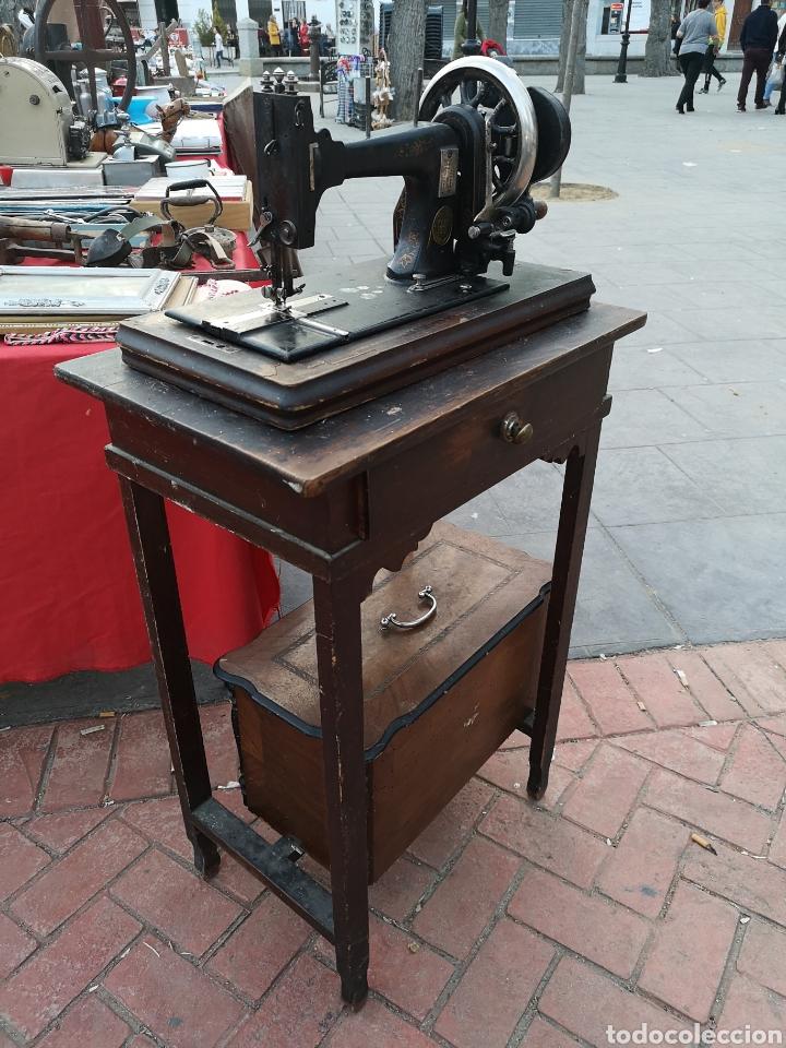 MÁQUINA DE COSER (Antigüedades - Técnicas - Máquinas de Coser Antiguas - Otras)