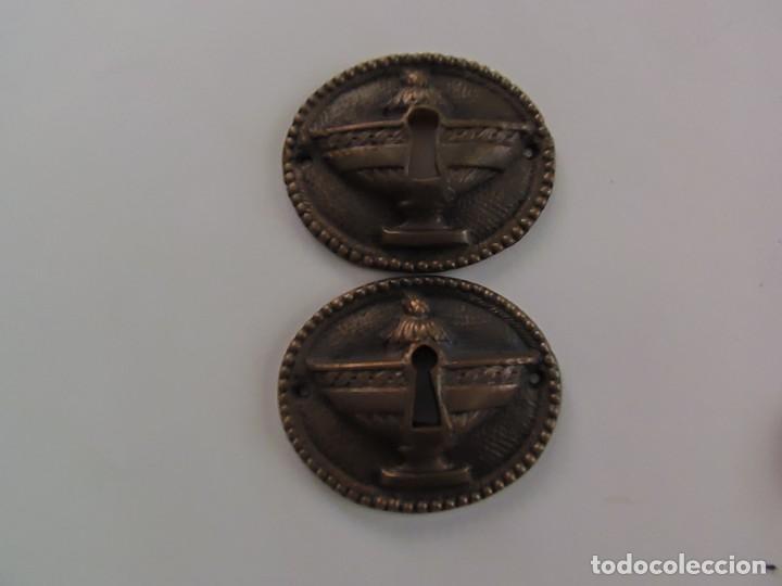PAREJA BOCALLAVES BRONCE (Antigüedades - Técnicas - Cerrajería y Forja - Cerraduras Antiguas)