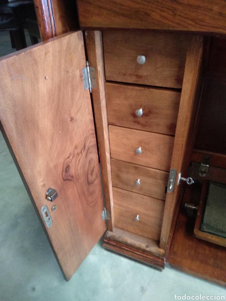 Antigüedades: Impresionante maquina de coser alfa modelo 1000 gabinete de lujo. Mueble. Muy completa. Como nueva - Foto 4 - 160146918