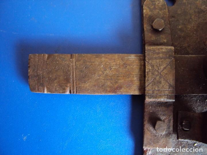 Antigüedades: (ANT-190490)CERRADURA CON LLAVE DE FORJA - SIGLO XVIII-XIX - FUNCIONANDO - Foto 5 - 160244966