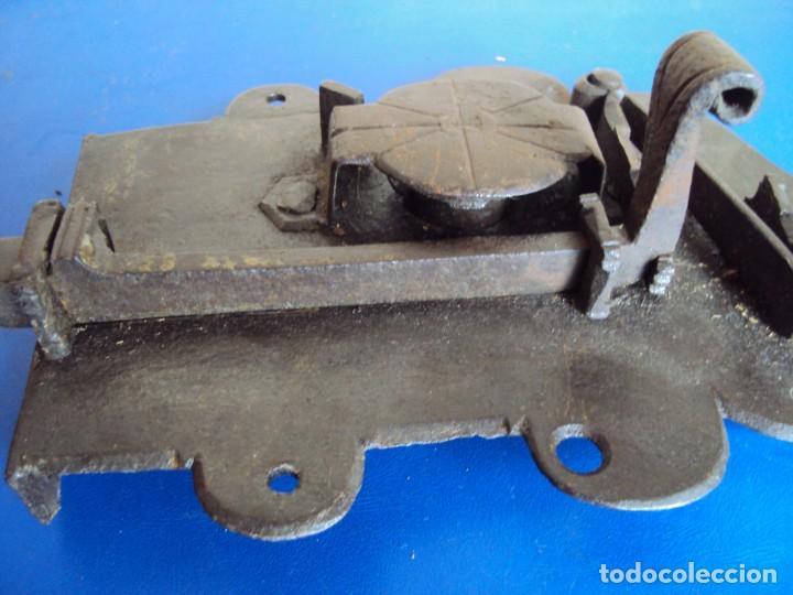 Antigüedades: (ANT-190493)CERRADURA CON LLAVE DE FORJA - SIGLO XVIII-XIX - FUNCIONANDO - Foto 12 - 160246362