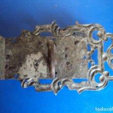 Antigüedades: (ANT-190494)CERRADURA CON LLAVE DE FORJA - SIGLO XVIII-XIX - FUNCIONANDO. Lote 160246578