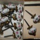 Antigüedades: LOTE DE 14 TIRADORES DE CERÁMICA. 4 CMS. DIÁMETRO.. Lote 160291754