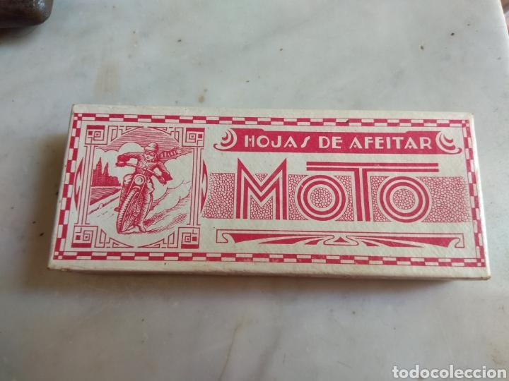 ANTIGUA CAJA DE CARTÓN DE HOJAS DE AFEITAR MOTO - RARA - (Antigüedades - Técnicas - Barbería - Hojas de Afeitar Antiguas)