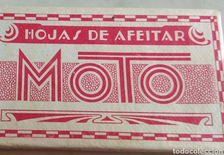 Antigüedades: Antigua Caja de Cartón de Hojas de Afeitar Moto - Rara - - Foto 3 - 160377097