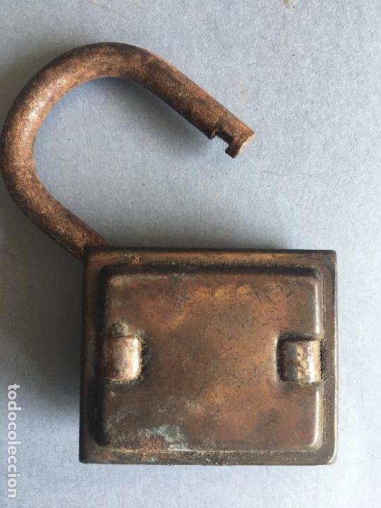Antigüedades: ANTIGUO CANDADO DE HIERRO - Foto 2 - 160379662