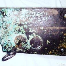 Antigüedades: CERRADURA CON LLAVE. Lote 160447241