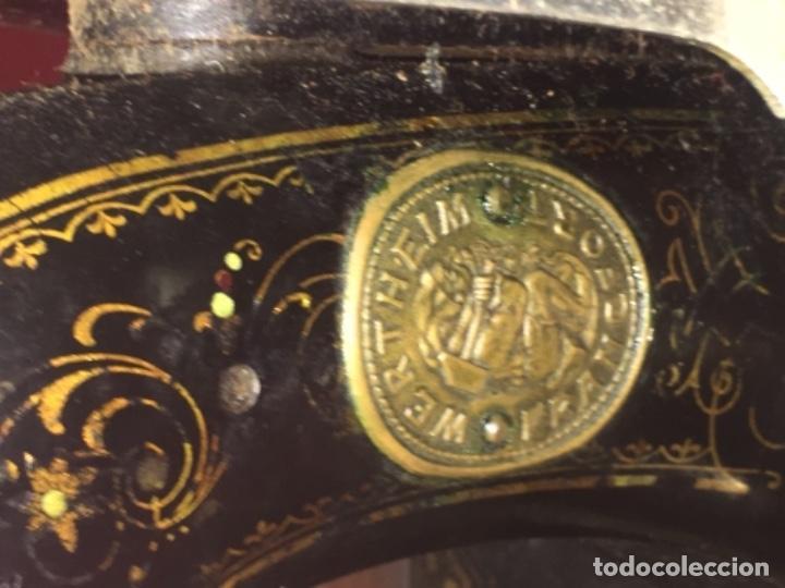 Antigüedades: Original máquina de coser de mano con nácar y marquetería ff.s.XIX 1880 - Foto 8 - 160470790