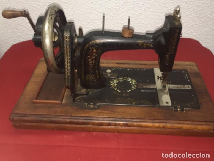 Antigüedades: Original máquina de coser de mano con nácar y marquetería ff.s.XIX 1880 - Foto 13 - 160470790
