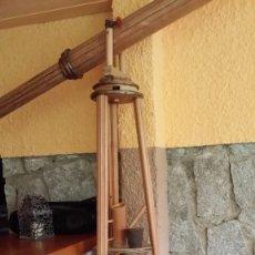 Antigüedades: ESPECTACULAR REPLICA DE TELESCOPIO EN MADERA / SOLO RECOGIDA. Lote 156811610