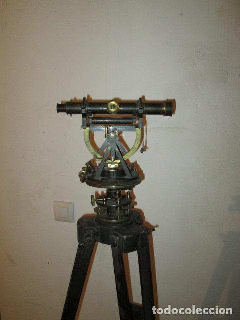 TEODOLITO FABRICADO POR JOSE ROSELL.BARCELONA 1860 APROXIMADO. (Antigüedades - Técnicas - Otros Instrumentos Ópticos Antiguos)