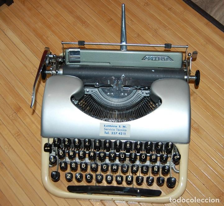 MAQUINA DE ESCRIBIR PATRIA - AÑOS 50 - BUEN ESTADO (Antigüedades - Técnicas - Máquinas de Escribir Antiguas - Patria)