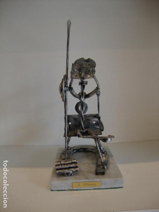 Antigüedades: FIGURA DEL QUIJOTE DE LA MANCHA CON TORNILLERIA HERRADURAS BASE MARMOL FIRMADO J. MIÑANO - Foto 5 - 160954958