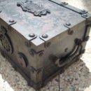 Antigüedades: ANTIGUA CAJA DE CAUDALES.AÑO 1870. VER FOTOS.. Lote 160965360