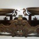 Antigüedades: BALANZA DE 3 KG. PLATOS LATON.. Lote 161034336