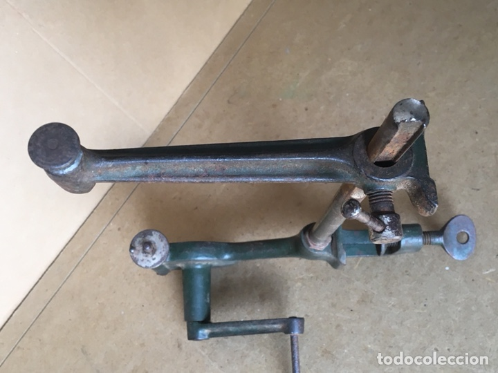 Antigüedades: Torno manual (de mano) marca ESSA, Rapid. Posible Herramienta de joyero o relojero - Foto 7 - 161034356