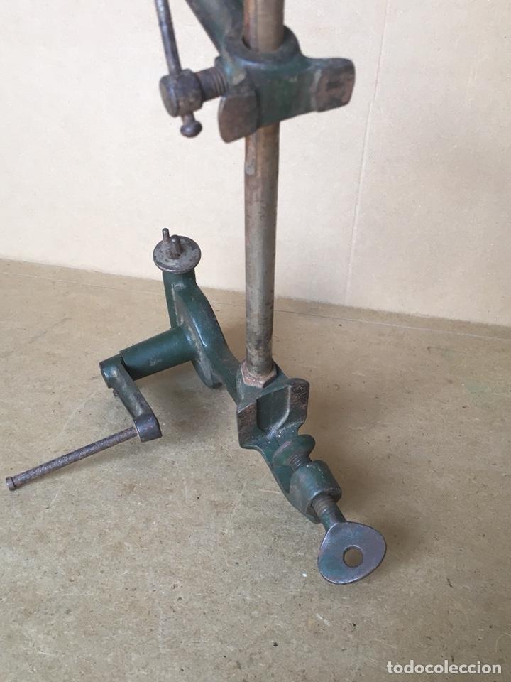 Antigüedades: Torno manual (de mano) marca ESSA, Rapid. Posible Herramienta de joyero o relojero - Foto 8 - 161034356