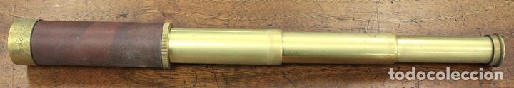 CATALEJO DE BOLSILLO JAPONES TASCO. 25X30 CM. CUERPO EN LATON Y CUERO. (Antigüedades - Técnicas - Instrumentos Ópticos - Catalejos Antiguos)