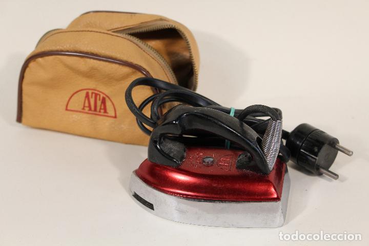 ANTIGUA MINI PLANCHA ELECTRICA DE VIAJE-MARCA JATA-120V/220V (Antigüedades - Técnicas - Planchas Antiguas - Eléctricas)