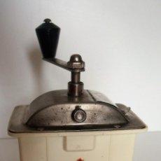 Antigüedades: MOLINILLO DE CAFÉ MARCA BEHA. MODELO LILIPUT. ALEMANIA. CA. 1956/1965. Lote 161211166