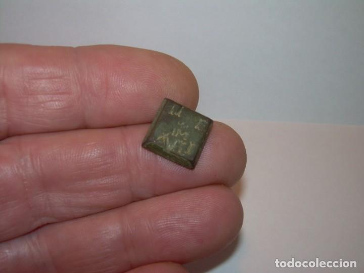 Antigüedades: ANTIGUO PONDERAL DE BRONCE REYES CATOLICOS.....ISABEL Y FERNANDO....MUY BUEN ESTADO. - Foto 7 - 161226978