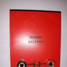 Antigüedades: DIODO SELENIO MONTAJE BORNAS PRUEBAS CONTROL CORRIENTE ELECTRÓNICA INDUSTRIA DECORA ESCAPARATE. Lote 161258202