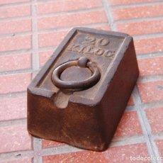 Antigüedades: PESA PONDERAL 20 KG. Lote 161302146