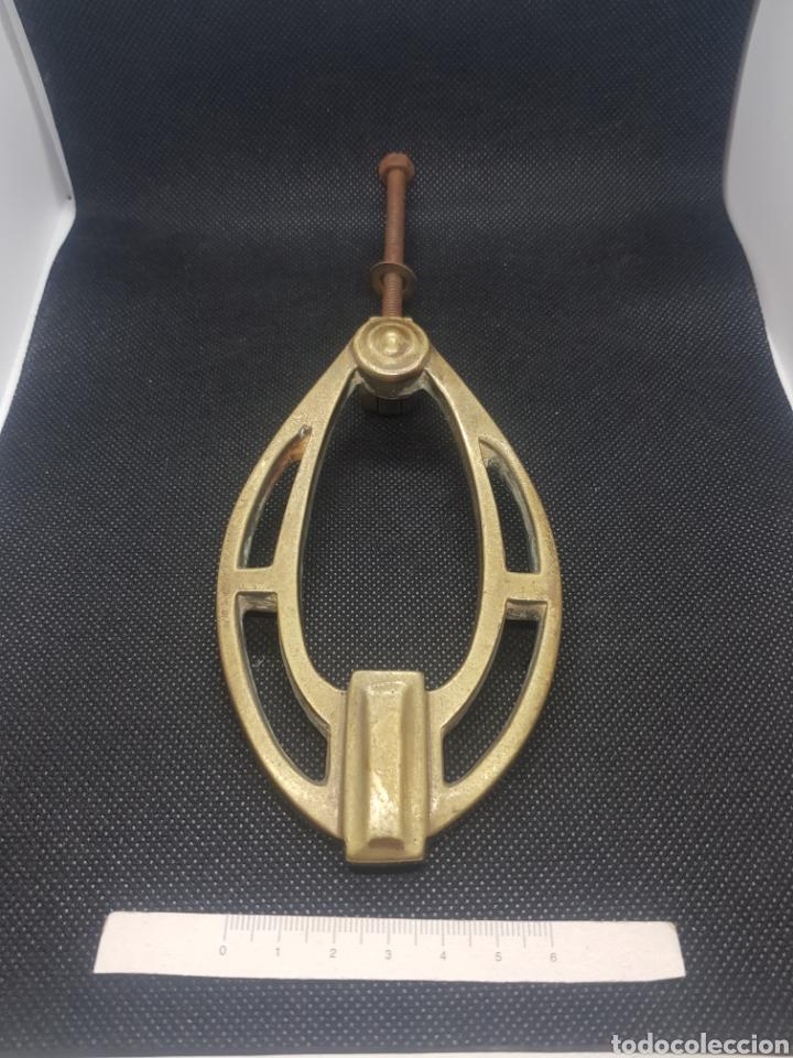 ANTIGUO LLAMADOR ALDABA DE BRONCE MODERNISTA ART DECÓ (Antigüedades - Técnicas - Cerrajería y Forja - Llamadores Antiguos)