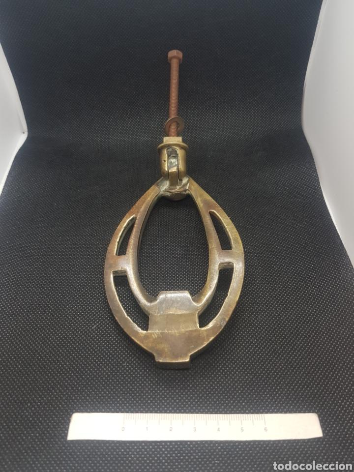 Antigüedades: Antiguo llamador aldaba de bronce modernista Art Decó - Foto 4 - 161345272