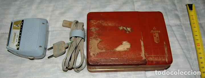 Antigüedades: MÁQUINA DE AFEITAR SUNBEAM MULTI-VOLT ROLLMASTERS AÑOS 50 - Foto 4 - 161408722