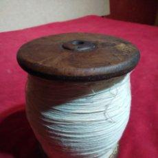 Antigüedades: BOBIBA CARRETE HILO DE MADERA 12,5 CM ALTURA. Lote 161533006
