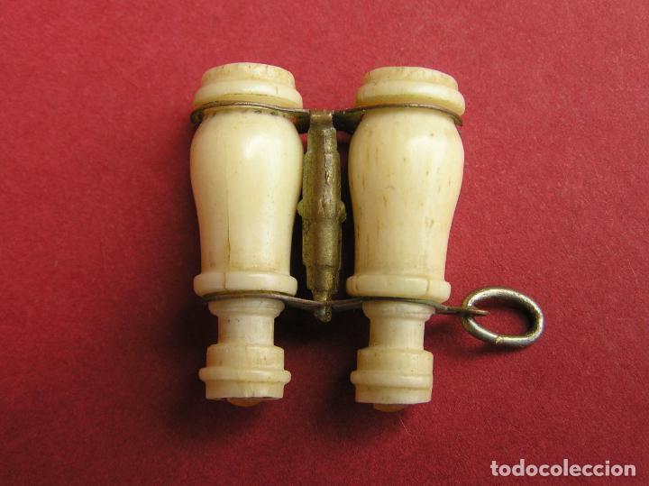 STANHOPE PRISMÁTICOS MINIATURA DE HUESO . VISTAS DE Nª Sª DE CULLERA (Antigüedades - Técnicas - Otros Instrumentos Ópticos Antiguos)
