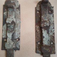 Antigüedades: 2 FALLEBAS ANTIGUAS HIERRO PARA PUERTA O VENTANA . Lote 161693918