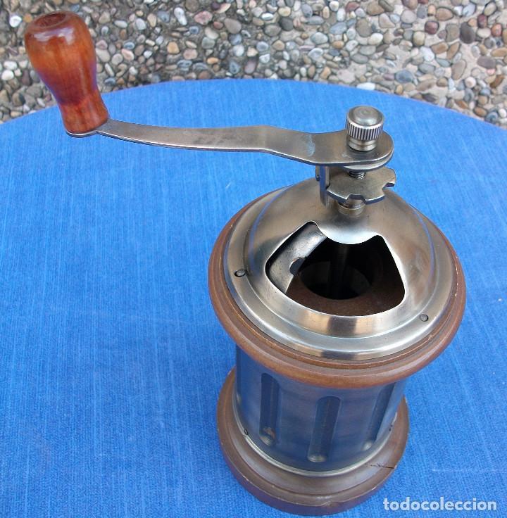 Antigüedades: PRECIOSO MOLINILLO DE CAFÈ DE MADERA Y METAL . VER FOTOS - Foto 3 - 161870450