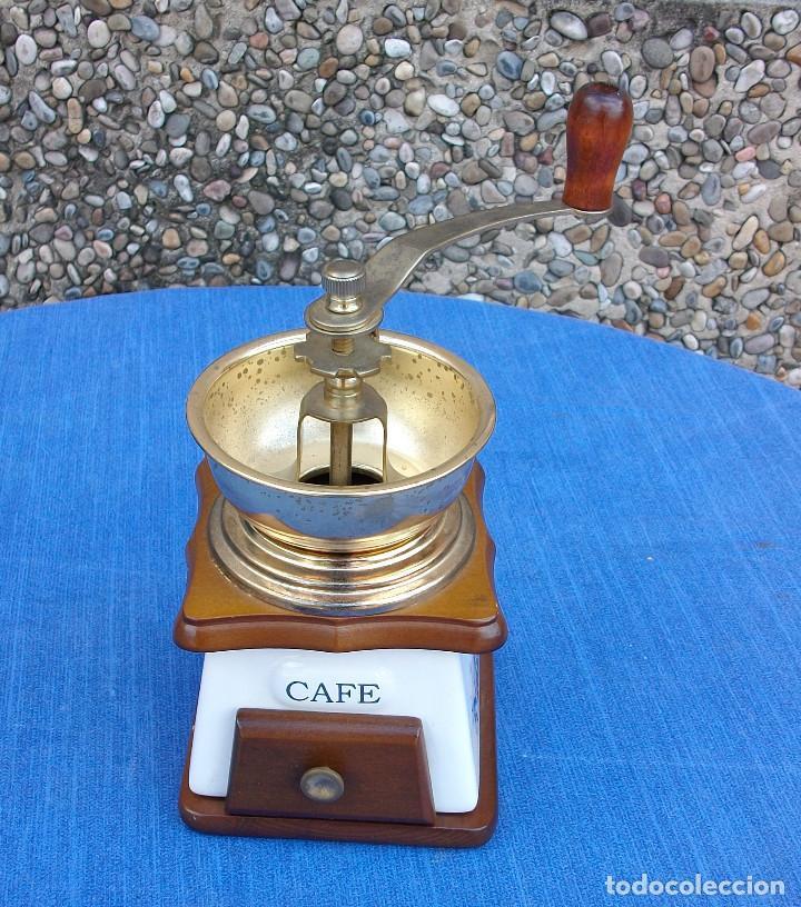 Antigüedades: PRECIOSO MOLINILLO DE CAFÈ DE MADERA , METAL Y CERAMICA . VER FOTOS - Foto 2 - 161870634