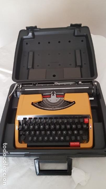 MAQUINA ESCRIBIR BROTHER DELUXE 262TR (Antigüedades - Técnicas - Máquinas de Escribir Antiguas - Otras)