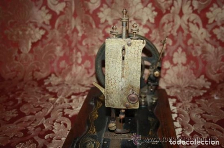 Antigüedades: MAQUINA DE COSER EN FORMA DE GUITARRA. VESTA. ALEMANIA. PRINCIPIOS SIGLO XX. - Foto 16 - 162193658