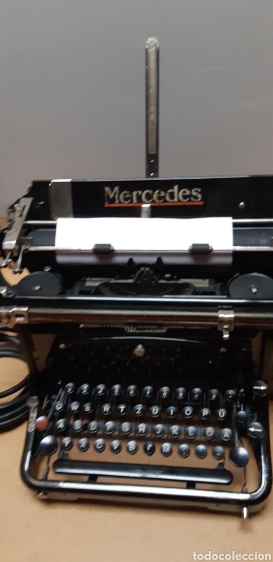 ANTIGUA MÅQUINA ESCRIBIR ELÉCTRICA (Antigüedades - Técnicas - Máquinas de Escribir Antiguas - Mercedes)